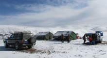 2014-Tibet-003-mobile-station-after-snowfall.jpg